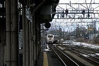 Thunderbird enters Toyama Station