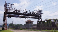 Power gantry